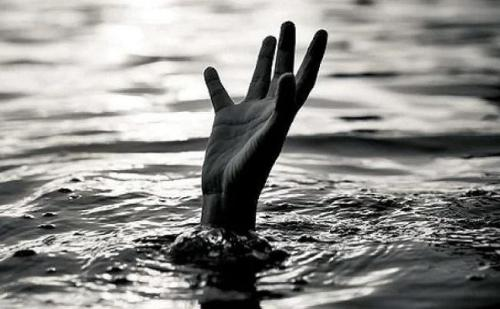 बिहार : नवादा में कार्तिक स्नान के दौरान दो लड़कियों समेत तीन लोगों की मौत