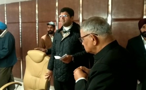 डिप्टी सीएम दुष्यंत चौटाला ने पंचकूला पहुंचकर की समीक्षा बैठक