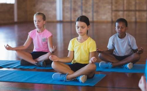 जानिए योग का विद्यार्थियों के जीवन पर क्या प्रभाव पड़ता है