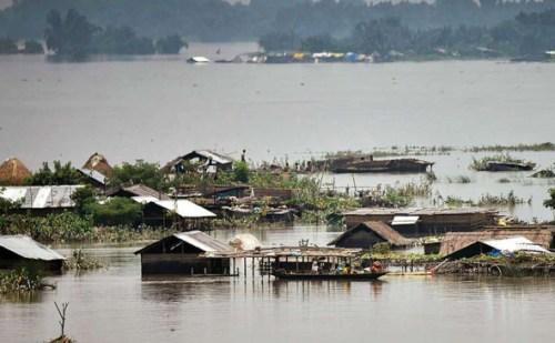 बिहार- असम में बाढ़ से हाहाकार, अब तक कई लोगों ने गंवाई जान