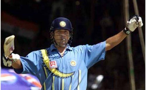 कोरोना के चपेट में आए पूर्व भारतीय खिलाड़ी सचिन तेंदुलकर, सोशल मीडिया पर दी जानकारी