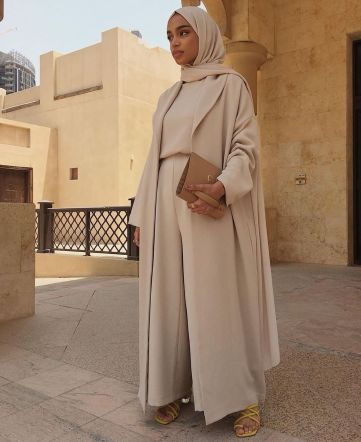 madihaofficial-modesty-meaning-bloggers-brands-influence-wardrobe-choices-modest-fashion-lifestyle