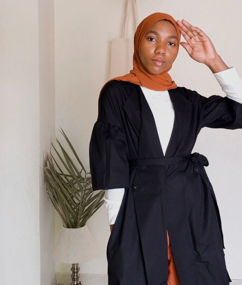 marcellamoda-black-colby-jacket-half-buttoned-how-to-style-5-ways-nyc-modest-nyfw