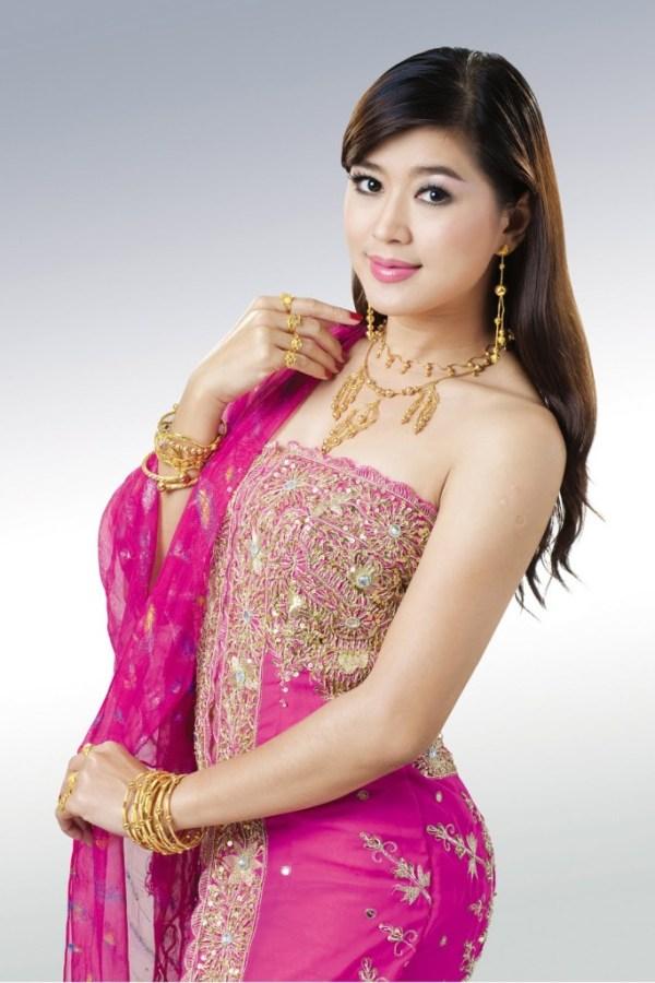 Myanmar Model Eindra Kyaw Zin