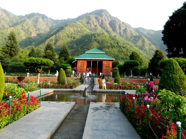 Chashme Shahi garden
