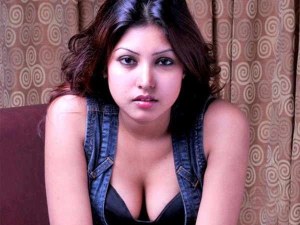 Komal-Jha-hot