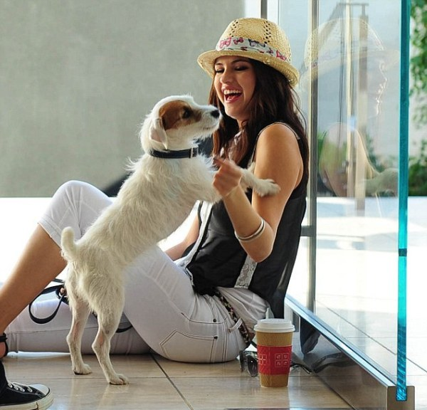 Selena Gomez playing with her cute Dogs