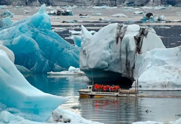 جوكالسارلون من اجمل اماكن سياحيه في ايسلندا