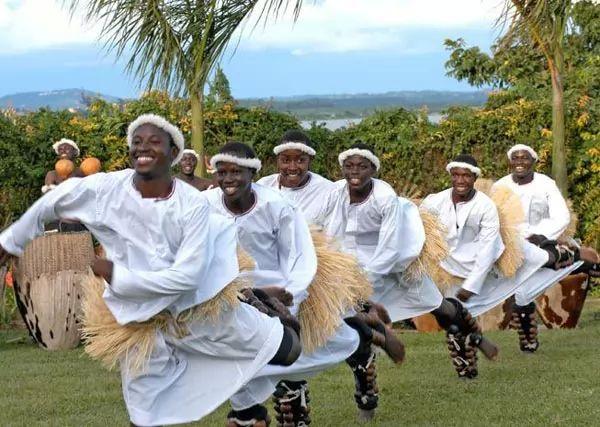 التراث الثقافي عند الشعب الأوغندي