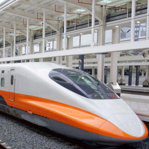 देश की पहली High Speed Train दौडी, 90 मिनट में पहुंचेगी दिल्ली से आगरा news railways to hold trial run of semi high speed train today