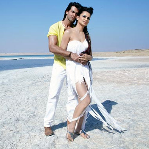 Hot Chemistry Hrithik व Kangna की  hrithik-roshan-and-kangna-romantic-chemistry-1-1380614589