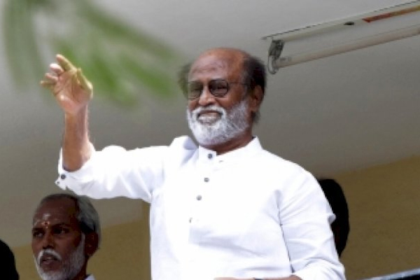 Bollywood celebrities congratulate Rajinikanth on receiving Dadasaheb Phalke Award - Bollywood News in Hindi