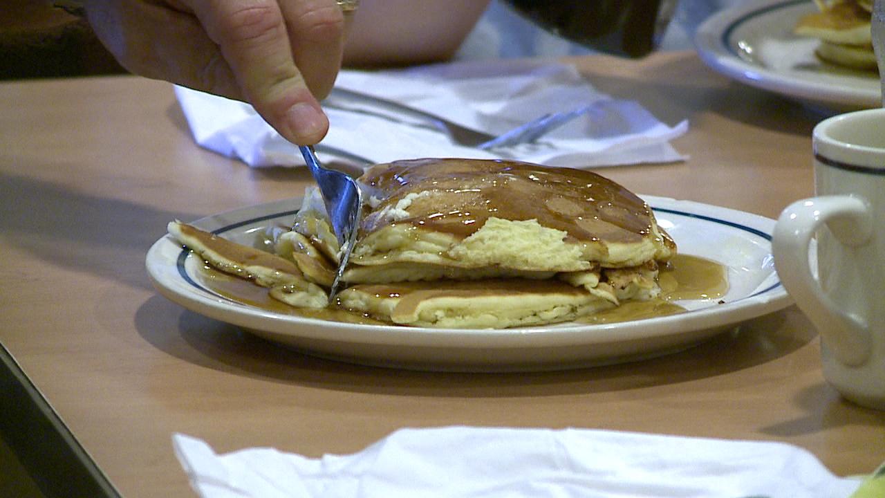 pancakes IHOP_81445