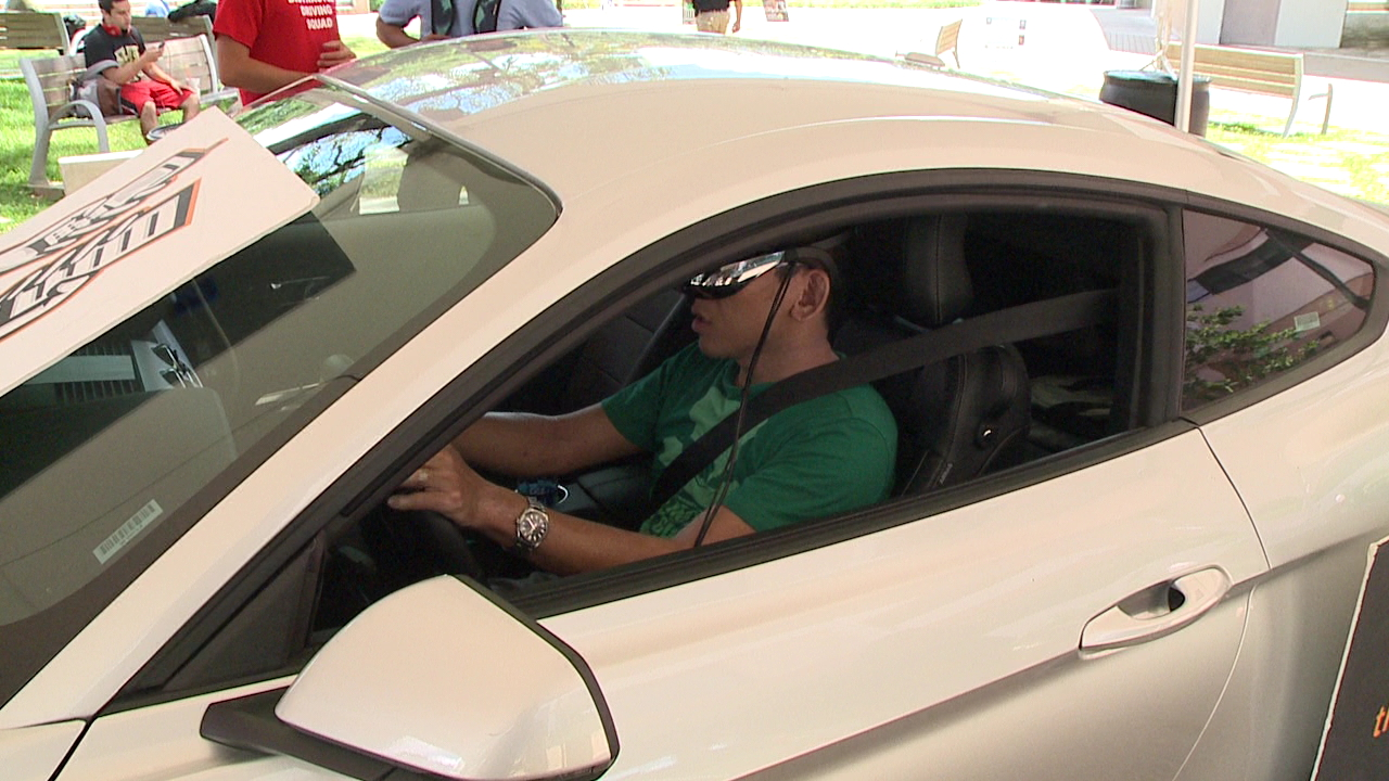 distracted driving simulation_89443