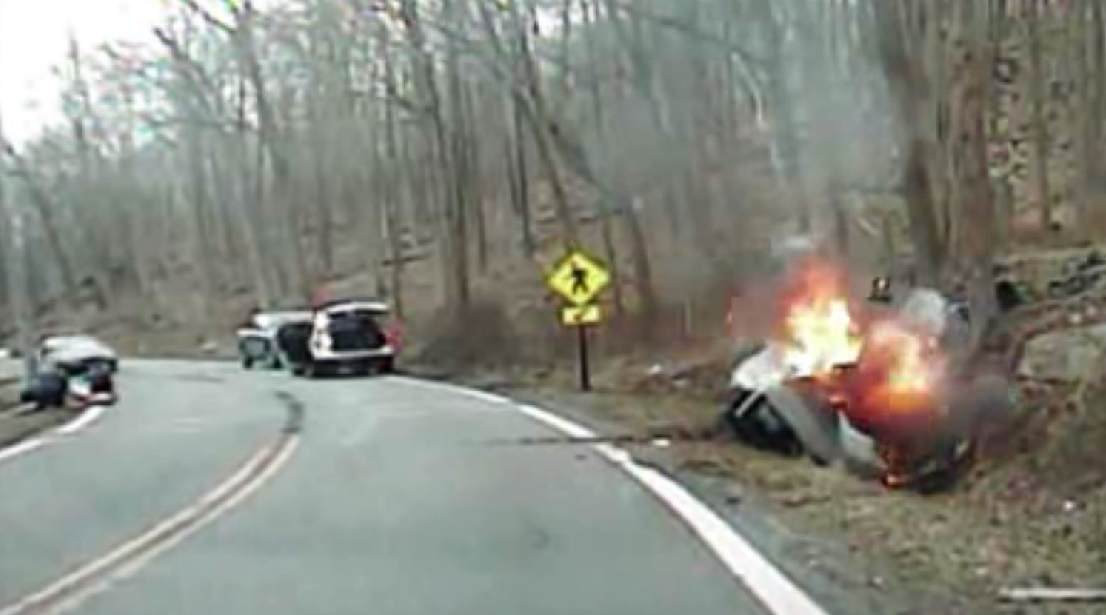 woman rescue burning car new jersey_89822
