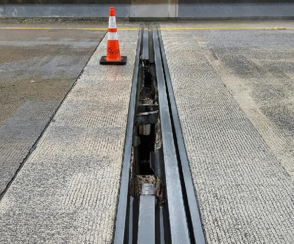 H-3 steel expansion joint repair-1_130534