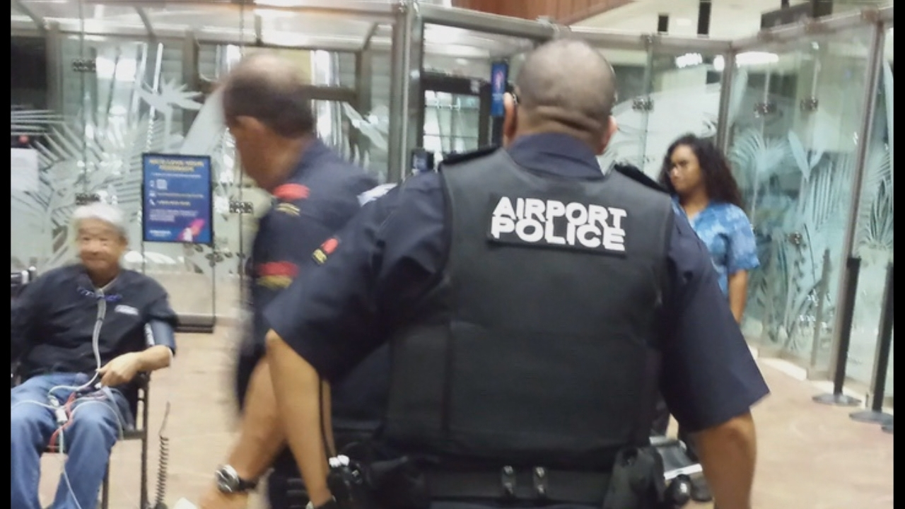 AIRPORT SECURITY_140652