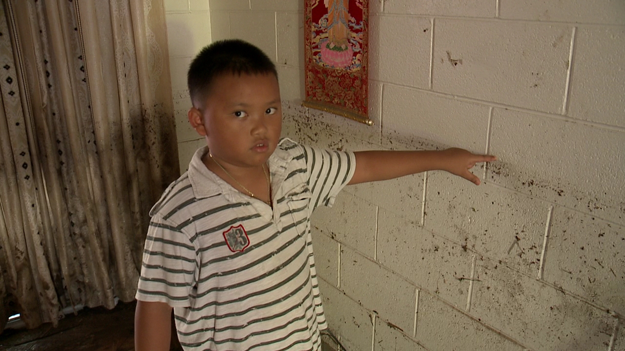 umi street boy wall_168490