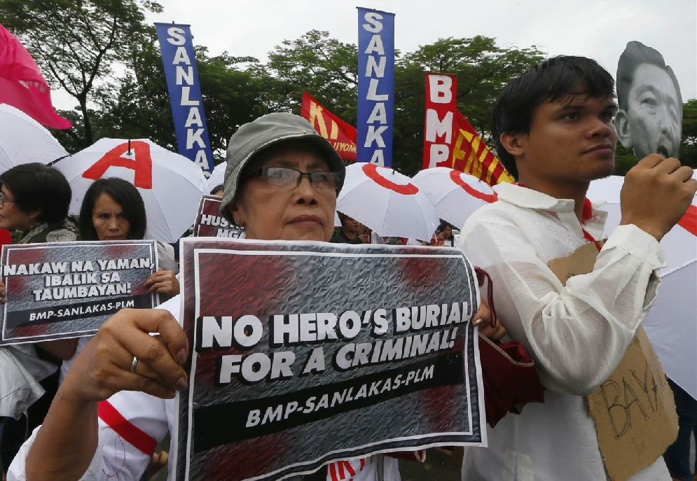 marcos burial protest_170520