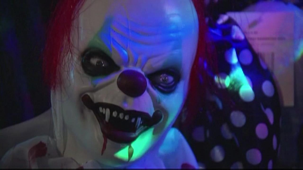 creepy-clown-fox_178584