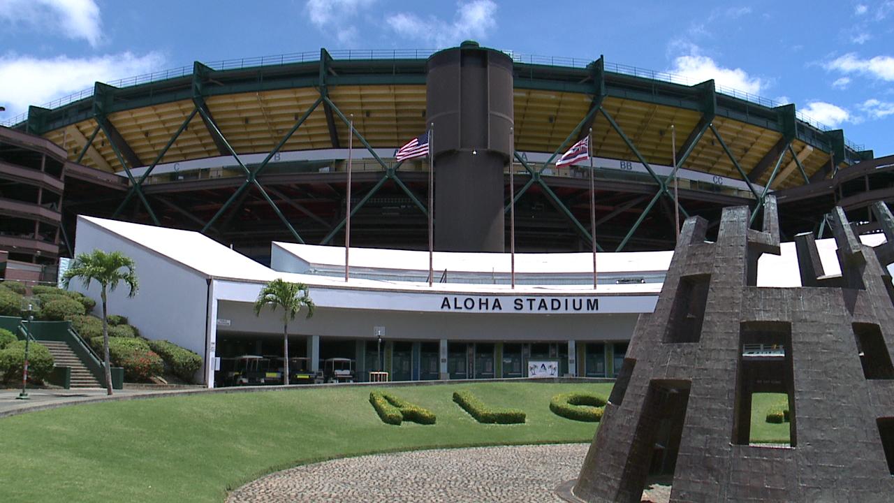 Aloha Stadium hosts job fair for upcoming football season