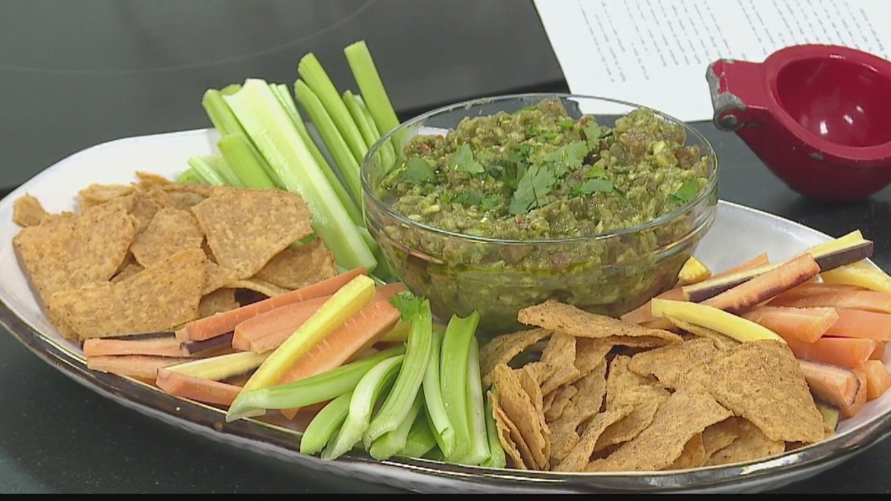 Healthy & Delicious with Down to Earth: Moringa Guacamole