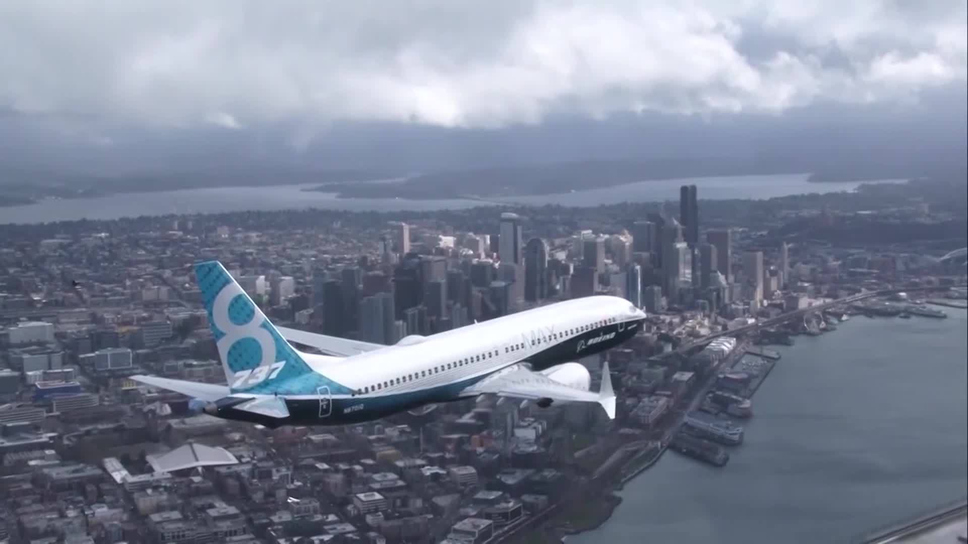 Boeing_s_CEO_faces_questions_over_737_Ma_3_20190429214850-842137445