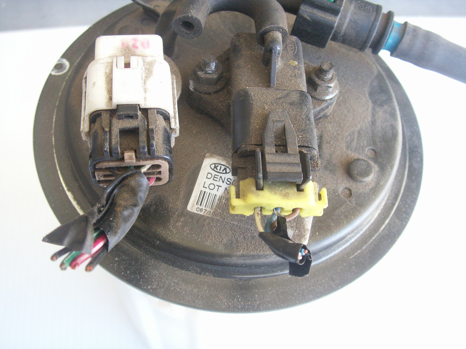 hight resolution of fuel gage showing wrong after 1 2 tank kia forumkia fuel pump diagram 4