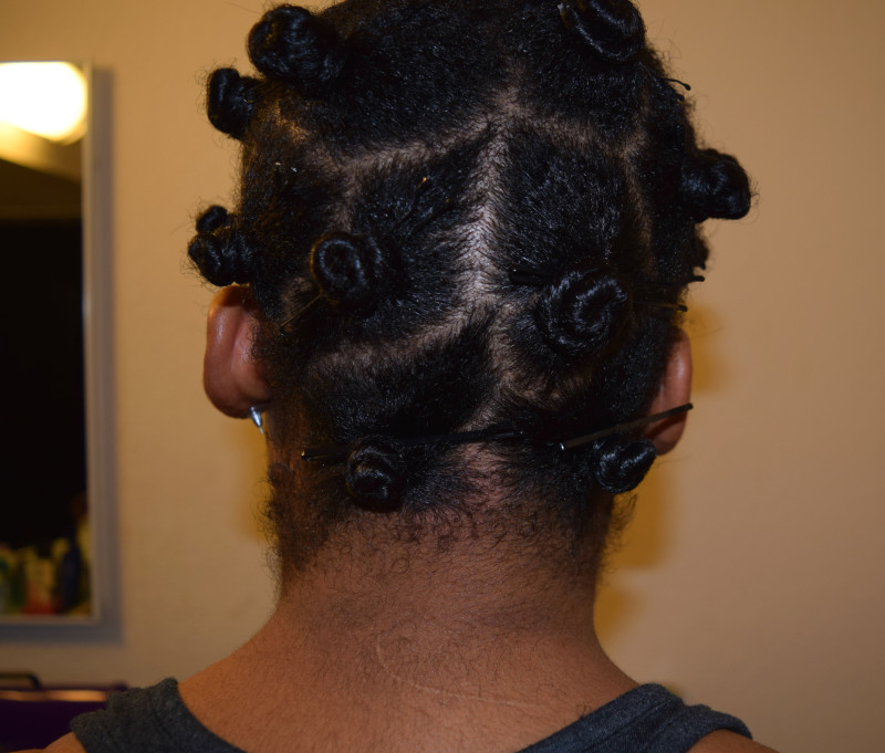 How To: Bantu Knots Half Updo - www.kianaturally.com