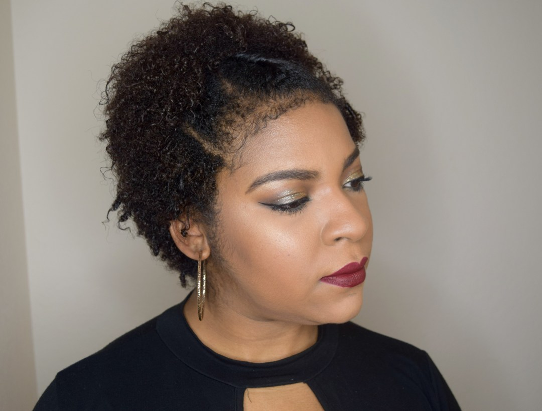How To: Glittering Gold New Year's Eve Makeup - www.kianaturally.com