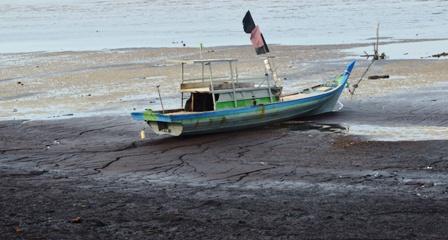 Nelayan Kecil Terpinggirkan, Permen ESDM Ngawur