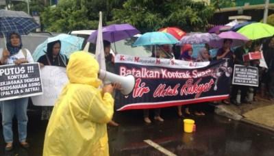 aksi warga dan nelayan Jakarta tolak swastanisasi air bersih
