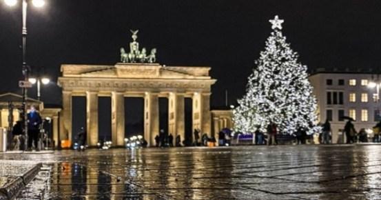 Η Ευρώπη μπαίνει στο νέο έτος υπό περιορισμούς κοραναϊού