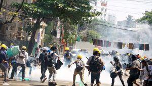 Ως αποτέλεσμα 3 εθνοτικών ένοπλων ομάδων επιτέθηκαν στο αστυνομικό τμήμα στη Μιανμάρ