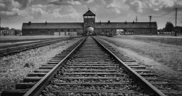 Auschwitz Facts: 25 Important Facts About Auschwitz | KickassFacts.com