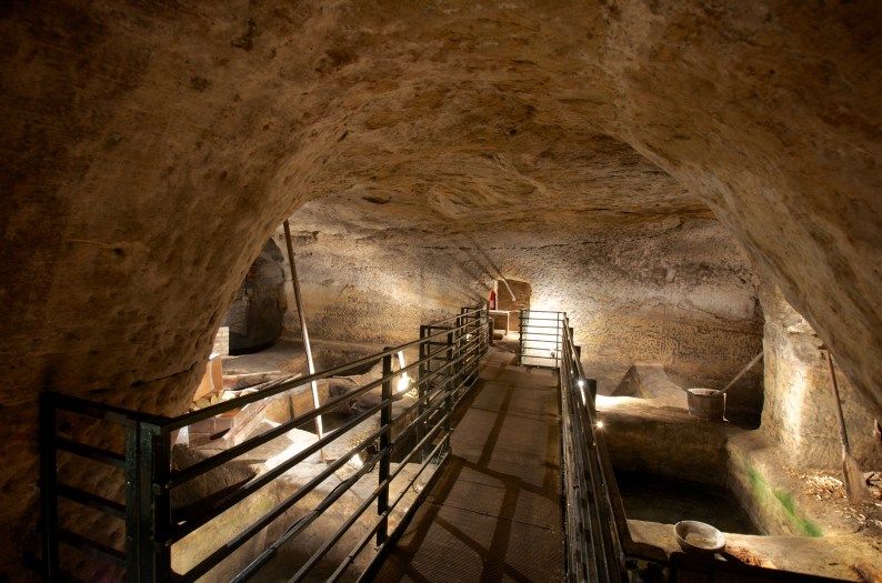 city of caves, nottingham