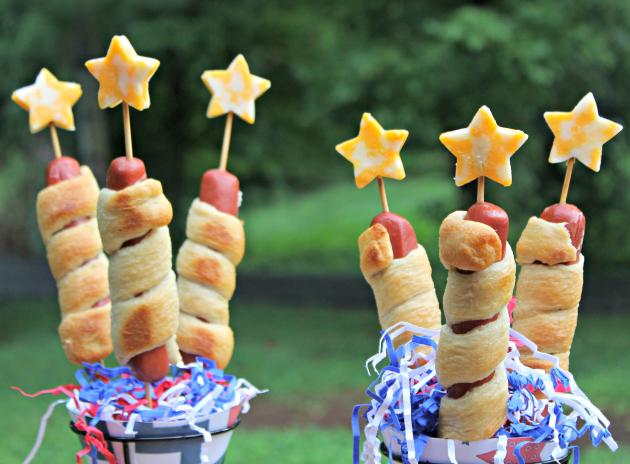 Firecracker Hot Dogs set