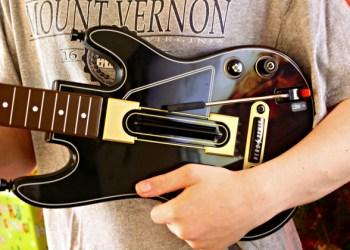 Five Reasons To Give Guitar Hero Live This Season