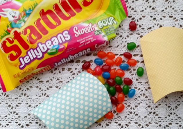 DIY Pillow Box Candy Holder beans