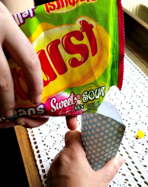 DIY Pillow Box Candy Holder filling