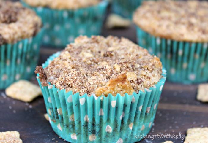 Cinnamon Toasters Chocolate Streusel Muffins close