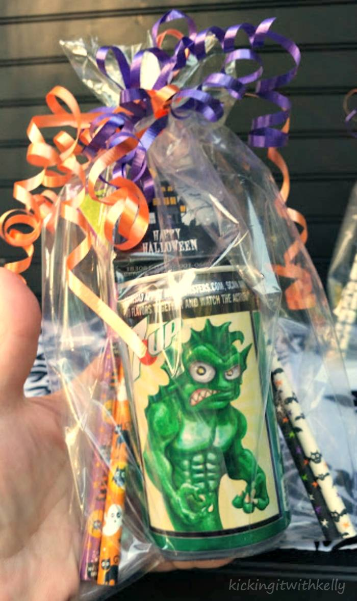 How To Make A Halloween Party Favor Bag monster can