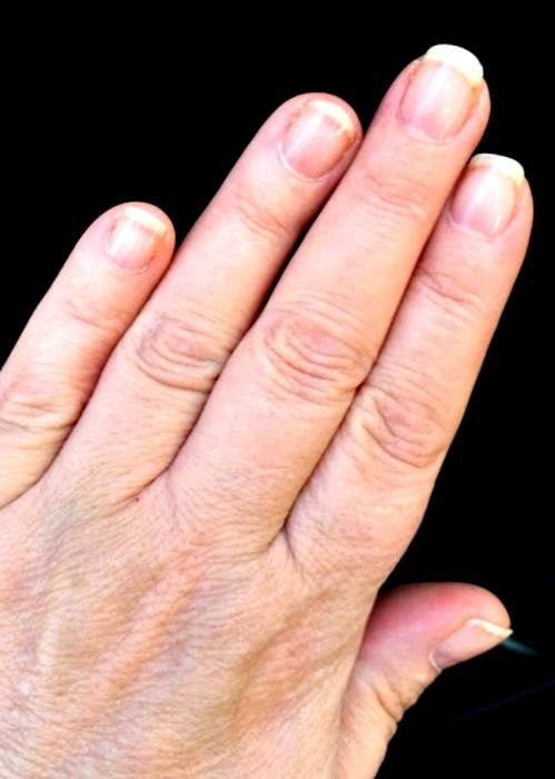 Love gel nails protect yourself from those harmful uv lamps love gel nails protect yourself from those harmful uv lamps solutioingenieria Image collections