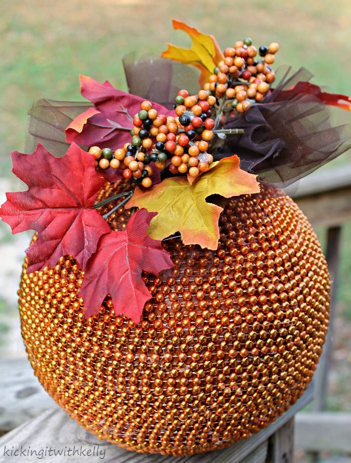This Pretty Beaded Pumpkin Is An Easy DIY Fall Decoration