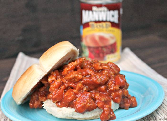 Manwich Sloppy Joe Taco Ring Recipe sandwich