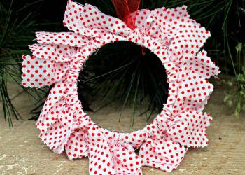 DIY Mason Jar Ring Fabric Wreath Ornaments