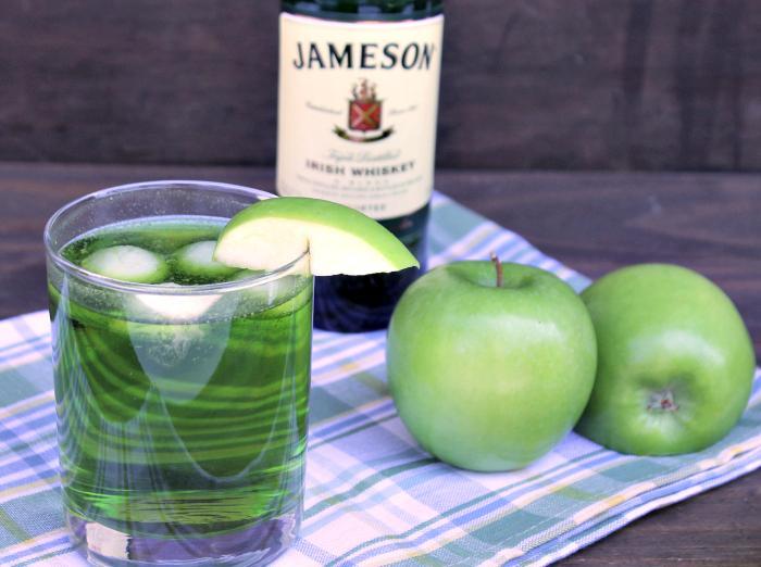 Jameson Whiskey Sour Apple Fizz Cocktail