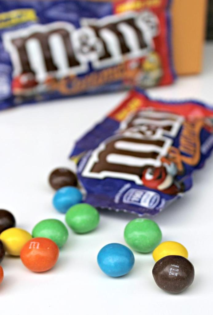 It is time we #UnsquareCaramel The new New M&M'S® Caramel candies will turn your world upside down! #ad @mmschocolate