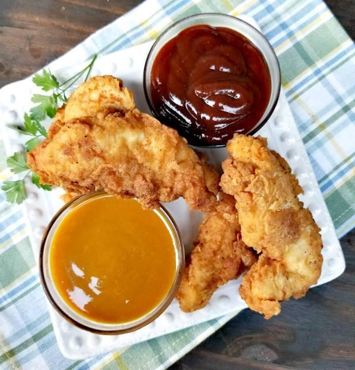 Super Easy 30-Minute Buttermilk Fried Chicken Recipe chicken plated