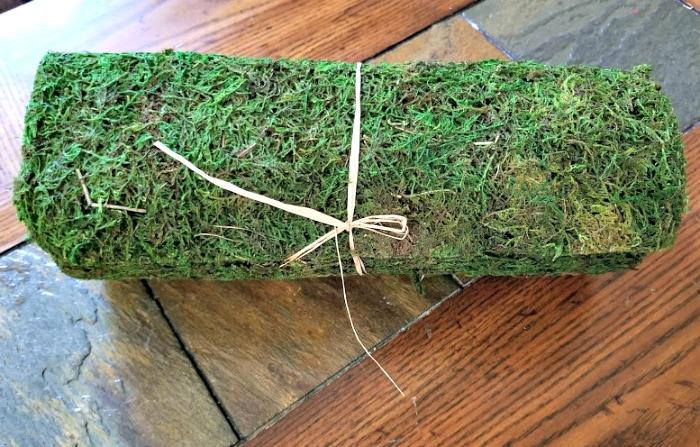 DIY Farmhouse Dining Table Centerpiece moss